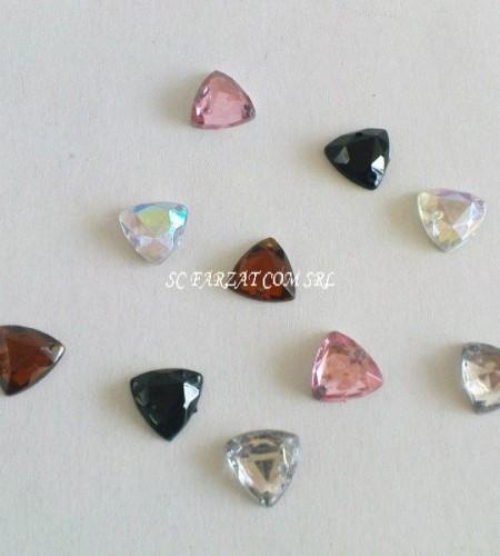 pietre de cusut triunghi de 10mm (1)