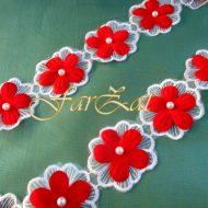 aplicatie forma floare alb-rosu